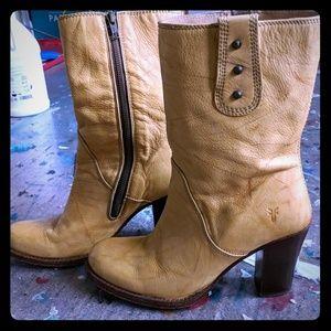 Frye 7730 tan yellow heeled boots